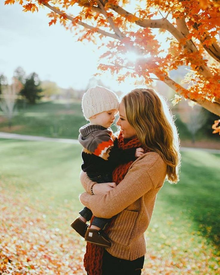 Mommy ad son photography in autumn.Having the autumn vibes that is full of love. It's always heart melting to see this kind of photos! - fall feels - meadoria @nykoleritter
