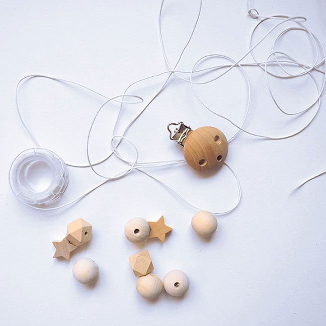 Plus de 25 id es uniques dans la cat gorie perle pour attache t tine sur pinterest attache - Perle en bois pour attache tetine ...