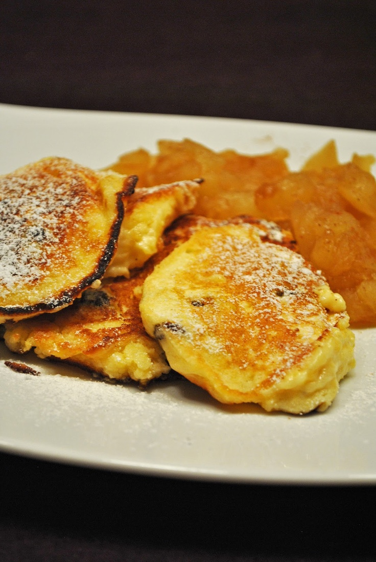 Küchenzaubereien: Quarkkeulchen mit Apfel-Zimt-Kompott