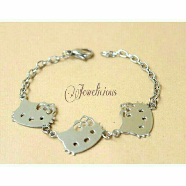 Temukan dan dapatkan Gelang Hello kitty hanya Rp 80.000 di Shopee sekarang juga! http://shopee.co.id/jewelicious.id/14310837 #ShopeeID