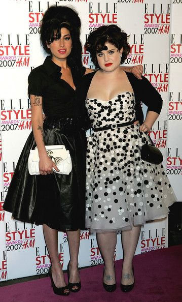 Amy Winehouse Photos Photos - Amy Winehouse and Kelly Osbourne arrive at the Elle Style Awards at the Round House Camden on February 12, 2007 in London, England - Elle Style Awards - Arrivals