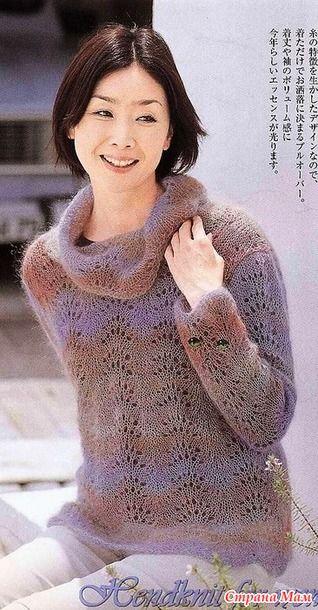 Мохеровый свитер с большим воротом. Спицы.