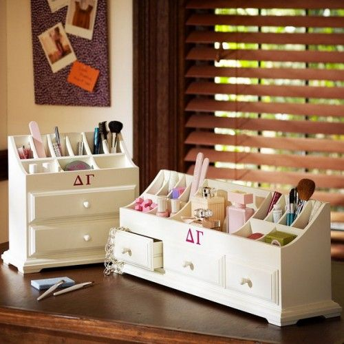 Leave it to the college girls to come up with these neat ideas for makeup storage - 33 Cool Makeup Storage Ideas | Shelterness