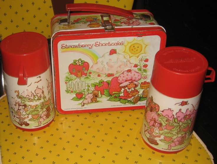 I had this!! >> 1980S Favorite Foods | retro 1980s STRAWBERRY SHORTCAKE LUNCHBOX by staircasetotheattic