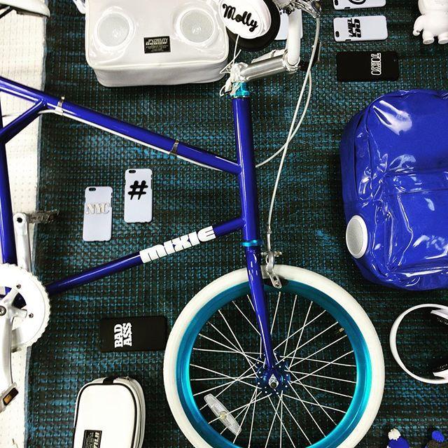 @vinniesstyles #comingsoon #brooklyn #nyc #bike #street #streetwear #streetstyle #hiphop #bicycles #bikeporn #blue #white #graffiti #