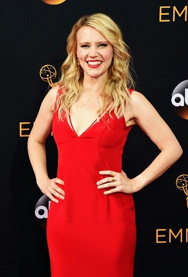 Kate McKinnon on the Emmy red carpet