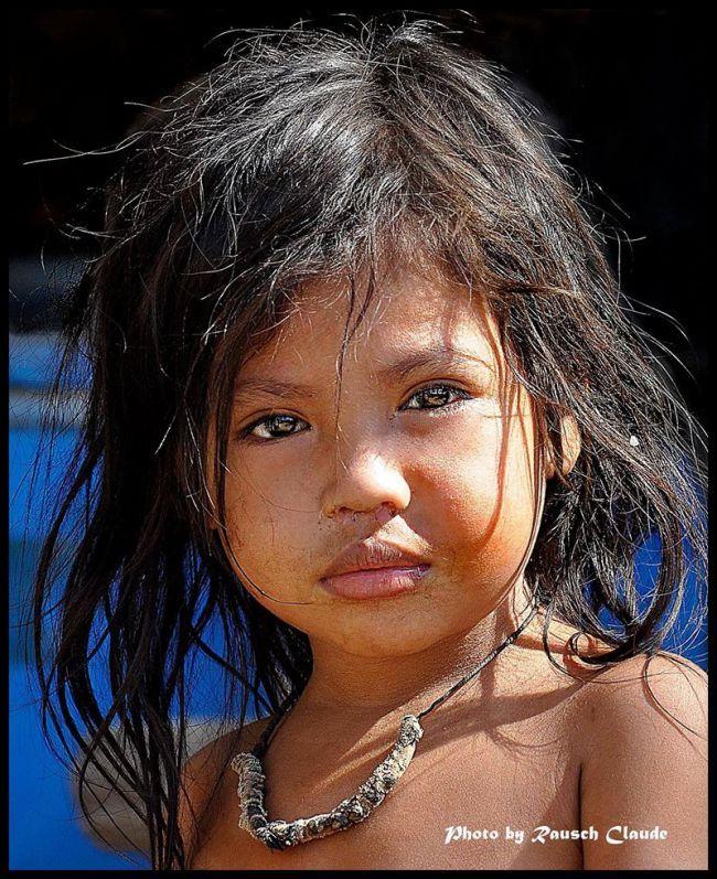http://de-belles-images.blog4ever.com/photos/portraits-et-regards-du-monde
