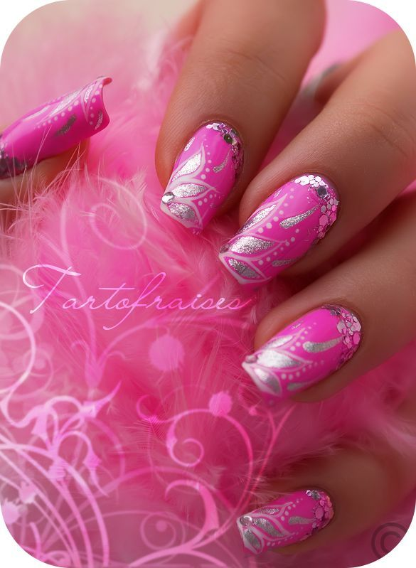 Tartofraises #nail #nails #nailart (scheduled via http://www.tailwindapp.com?utm_source=pinterest&utm_medium=twpin&utm_content=post92030735&utm_campaign=scheduler_attribution)