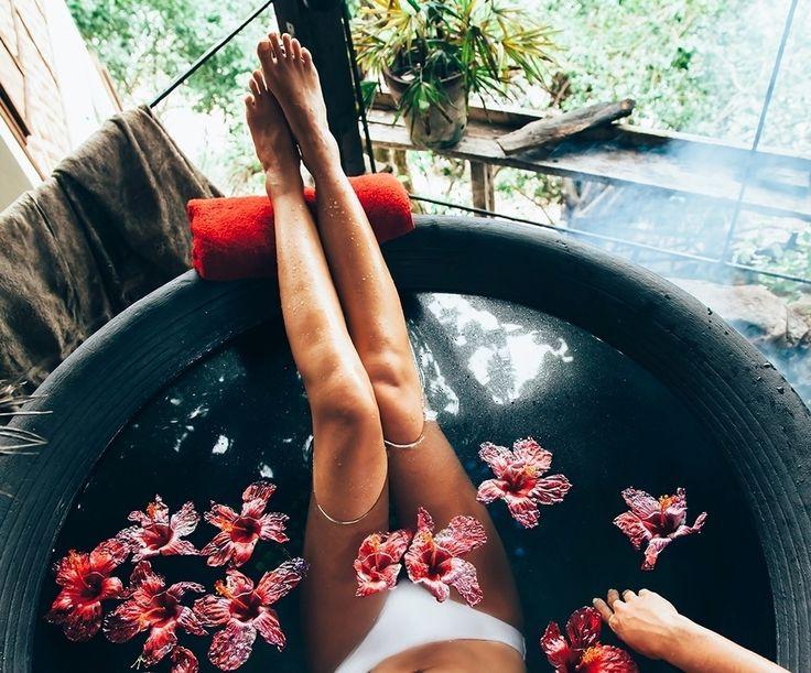 В списке тайских процедур для тела потеряться так же легко, как в меню кондитерской 😊 Отдельно рекомендуем знаменитые тайские цветочные и молочные ванны — едва ли вы найдёте лучший способ побаловать своё тело!  #joytour #Джойтур #гомель #беларусь #отдых #отпуск #travel #путешествие #таиланд