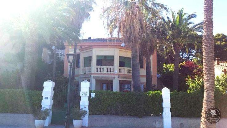 """Villa Pons. El estilo #afrancesado de cada una de estas #villas de Benicàssim, así como la presencia en ellas de personajes reconocidos de la alta sociedad, generaría el apodo de #Benicàssim como el """"Biarritz de #Levante""""."""