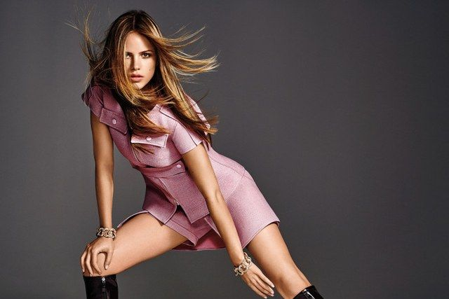 Halston Sage. The young actress branches out.
