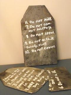 Moses and the 10 Commandments visual
