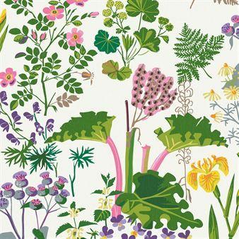Med Rabarber tapet på väggen får du uppleva sommarens fägring varje dag. Tapeten är en del av kollektionen Scandinavian Designers II för Boråstapeter som består av mönster från fem kända formgivare inom arkitektur och mönsterdesign från 1940 till 1960-talet. Rabarber är ett av Gocken Jobs mest älskade växtmönster där rabarbern samsas med daggkåpa, viol och stormhatt i en frodig och färgsprakande mix. Tapeten blir som ett konstverk på väggen och passar exempelvis i sovrummet eller varför…