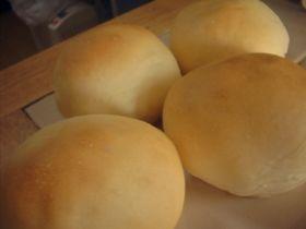 レンジで発酵♪薄力粉のふわふわ丸パン