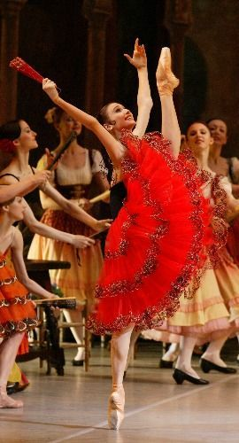 Svetlana Zakharova as Kitri, look at her happy face!! <3