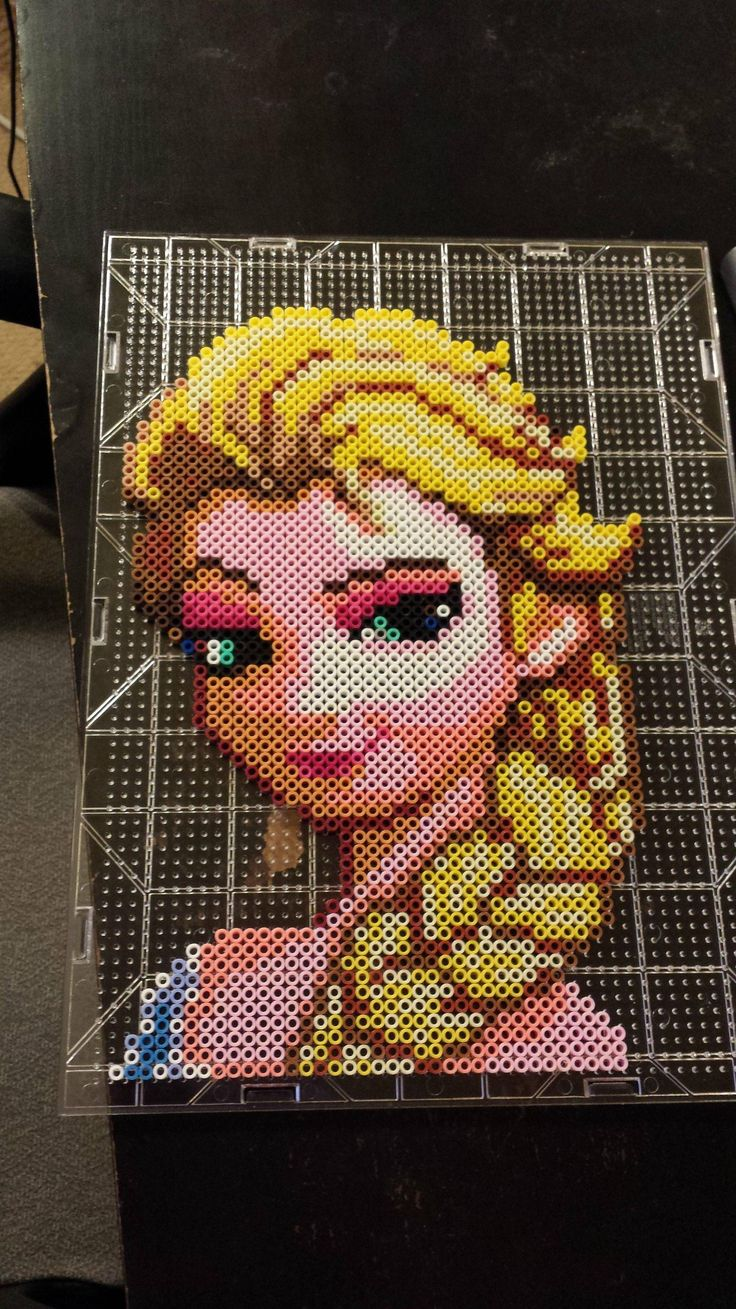 Disney Elsa Frozen perler beads by DNAlien