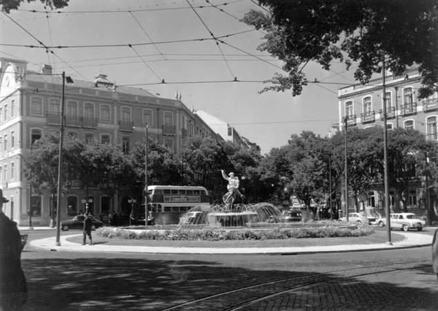 Largo de Dona Estefânia, anos 50