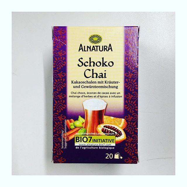 #kenntihrschon den Schoko-Chai-Tee? Unglaublich lecker, mit nem Schuss Milch :baby_bottle: ähnlich wie Kakao nur gesünder :two_hearts: @alnatura #schokochai #teatime #tee #chai #kakao #eatclean  #empfehlung #fit #healthy #gesund #ilovetea