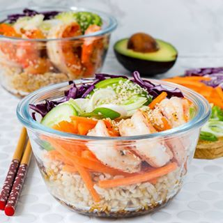 Simple-Balanced meal in minutes! Yesterday was my 36th birthday🎉, and I ate the cake! 👍 That means I'm right back on track today with these simple-to-assemble bowls. Ingredients for each 1 serving: 1/2 cup cooked brown rice 4 or 5... #cleaneatingdeconstructedsushi #cleaneatingshrimpbowl #cleanmeals