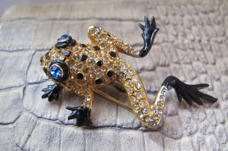 Designer #VOGUE TreeFrog Figural Brooch Pin. Rhinestone, Stone Set, Enamel, Reptile, Animal Figural Brooch, FROG Toad Signed Costume Jewelry by MaisonettedeMadness on Etsy #REJA Design 1939 reference