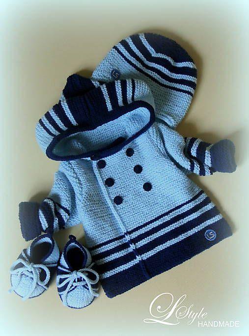 ...setík pozostáva zo svetríka s objemnou kapuckou, čiapočky s krytkami na ušká a capačiek ...je upletený z jemnučkej babätkovskej priadze, vhodnej pre najmenšie mimči :) ...volila ...