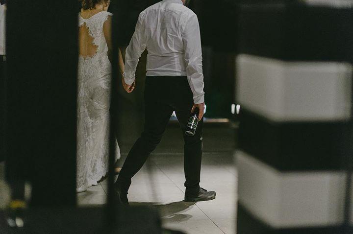 Runaways. The couple has left the building. #weddingphotographer #weddingday #weddingnight #weddingseason #destinationwedding #weddingparty #beer #party #groom #bride #bridebook #love #matrimonio #boda #mariage #nunta #bryllupsinspirasjon #weddinginspo #bryllupsfotograf #hochzeitsfotograf #hochzeit #weddingplanner
