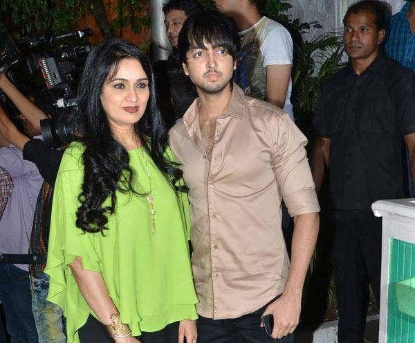 Padmini Kolhapure's son Priyank Sharma all set for his Bollywood debut #FansnStars