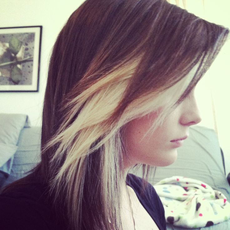 Brown /blonde bang. kinda want to do this to my hair.. Except maybe reversed brown and blonde? thoughts? -m