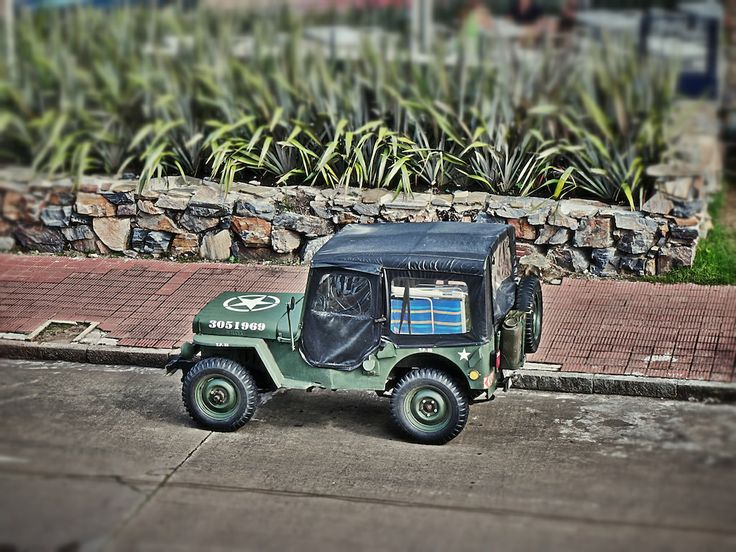 There are a lot of Jeeps of various ages in Uruguay. and Punta del Este in particular.