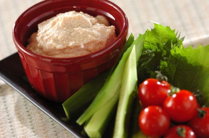 お豆腐と明太子があれば簡単に作れるヘルシーディップ。お好きな野菜やクラッカーにのせてどうぞ。豆腐明太ディップ/増田 知子のレシピ。[洋食/前菜]2016.09.19公開のレシピです。