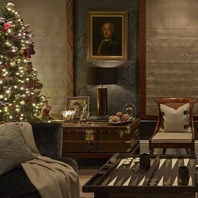 Feeling very Christmassy at home this evening #home #Christmas #study #luxuryinteriors #SophiePatersonInteriors