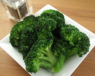 Rinse pre-cut, fresh broccoli, put in microwave safe dish. Add 1 TBLSPN water. Sprinkle lightly with pepper. Pour Cheesy Ragu Double Cheddar Sauce over top. Microwave 4-8 minutes or until done. Brad LIKES! Said this is how broccoli & cheese should taste! Remember this one.