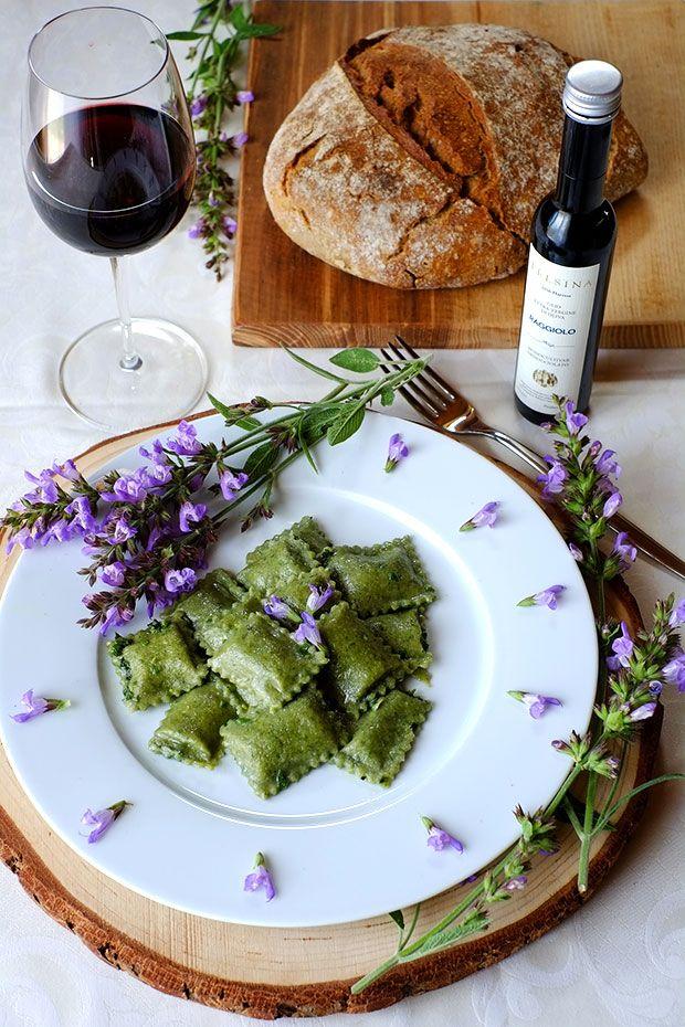 Ravioli verdi con ortica e patate
