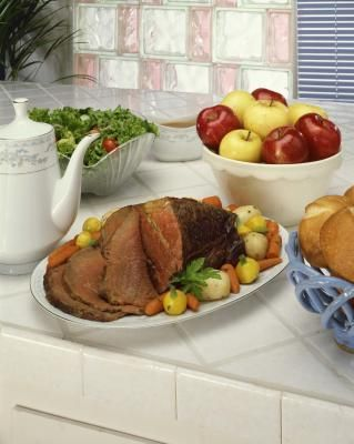 How to Make the Best Roast Beef in a Dutch Oven - for our Christmas dinner IN my Christmas present :)