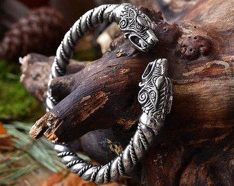 VIKING WOLF ARMBAND. Fenrir armband Vikingen sieraden. Viking wolven armband. Viking armband heidense Bangle armband Norse Nordic