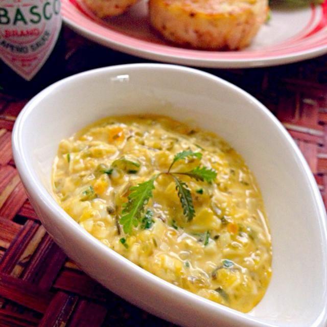 レムラード・ソース(仏)を作ろうと思ってたらKoroさんがレシピUPしてくれていて、マヨネーズ使うか卵から作るかの違い位だったのでKoroさんのタルx2ソースにしました( ´ ▽ ` )ノ このままでもつまんじゃう位美味しい❗ 素敵美味しいレシピありがとうございます✨ - 45件のもぐもぐ - Tartar sauce from French Kitchen RecipesKoroさんのタルタルソース フレンチキッチンレシピより by Ami