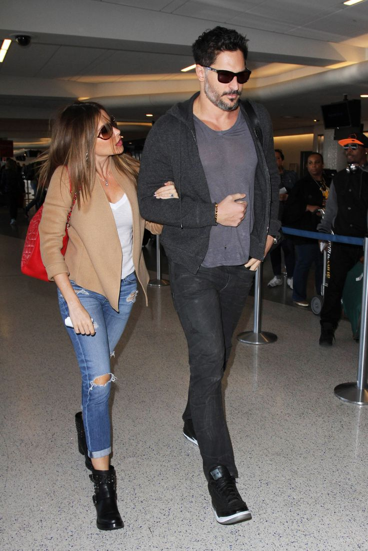 Sofía Vergara and Joe Manganiello. Wow, what a height difference!