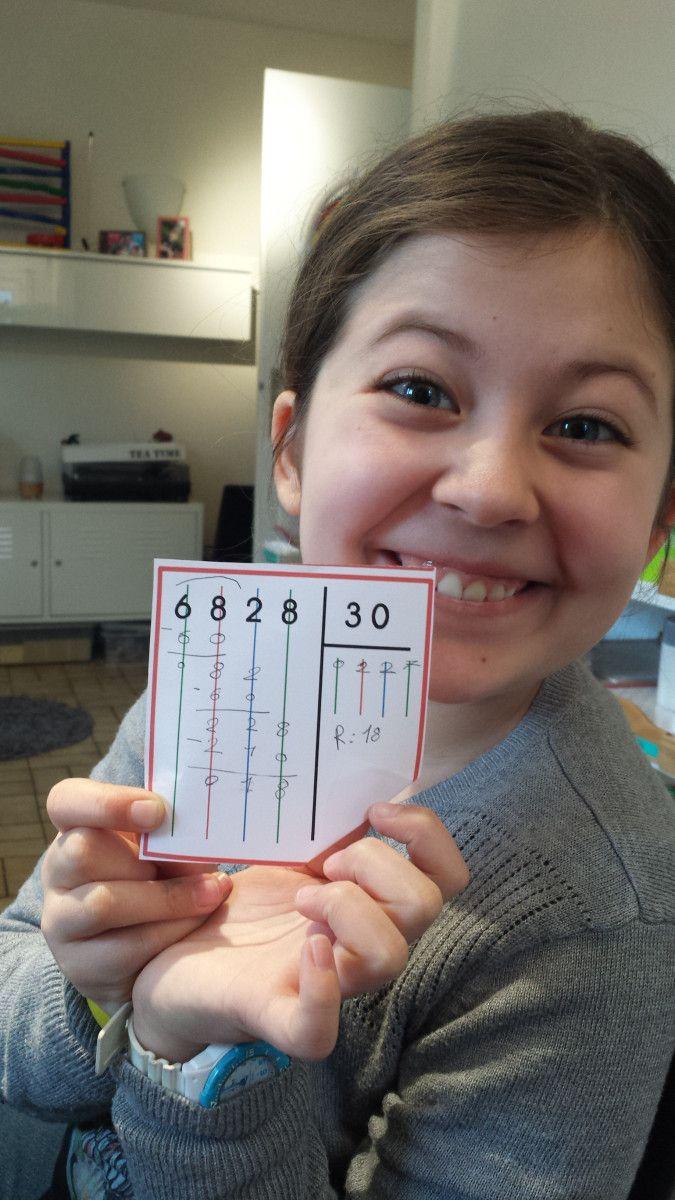 Diviser avec le matériel Montessori