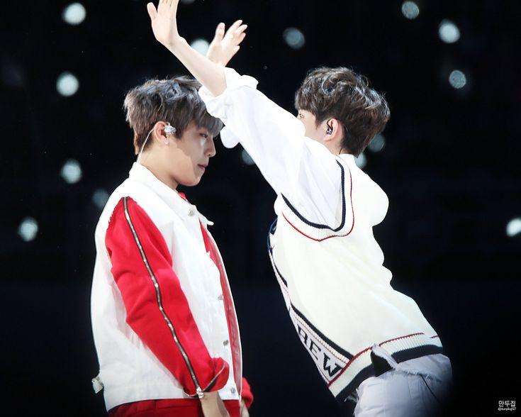 171216 Wanna One Premier Fancon Day 2 #Jaehwan #Woojin