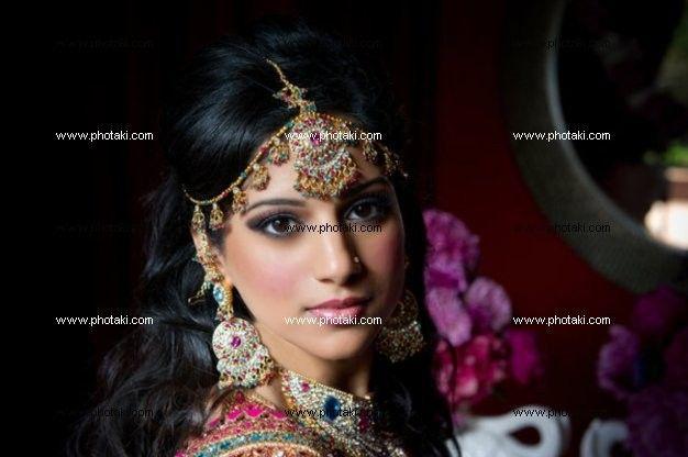 http://www.photaki.com/picture-gorgeous-indian-bride_1253857.htm