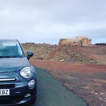 Instagrammer thedutchtravelfamily verkende Lanzarote met een huurauto. Deel ook je roadtrip plezier en plaats de hashtag #MetEenHuurautoZieJeMeer bij je foto's op social media.