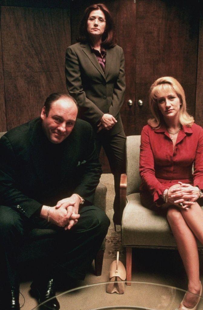 "James Gandolifini (Tony Soprano), Lorraine Bracco (Dr Jennifer Melfi), Edie Falco (Carmela Soprano) on ""The Sopranos"""
