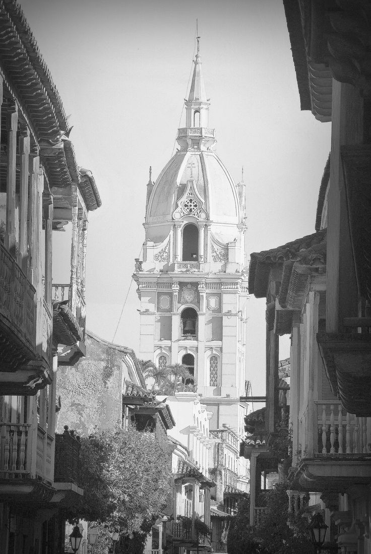 Family holiday, hotel accommodations and colonial houses in the historic center. Choose your personalized visit plan for your tours and excursions in Cartagena de India's; this will save time and money without having headaches in the preparation and organization of social event or holiday.