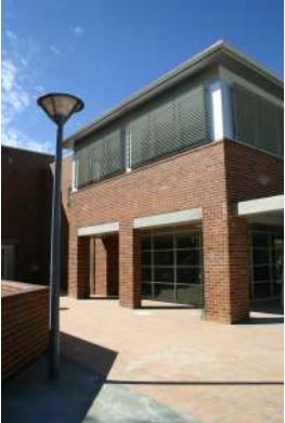 View of Hawkesbury Central Library, Windsor 2005.
