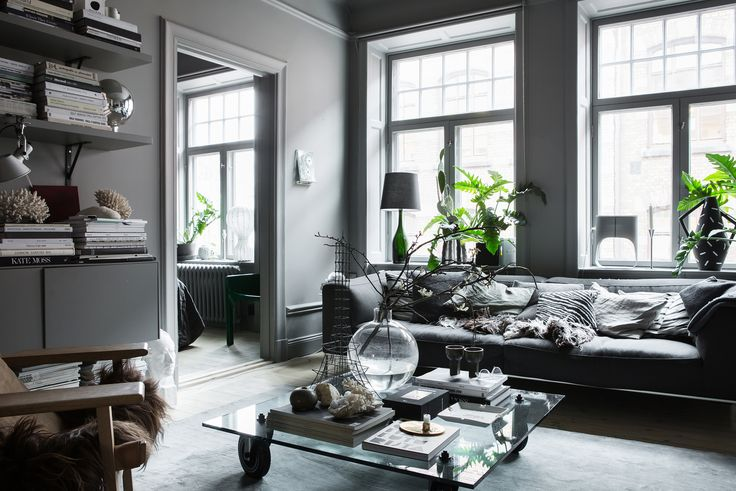 Lotta Agataon's grey living room | Nytorgsgatan 19 - Stockholm - ESNY