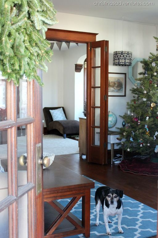 Beautiful restored Craftsman Christmas house tour - decorated with simple, beautiful and clean decorations. @christinasadventures See more at http://blog.blackboxs.ru/category/christmas/