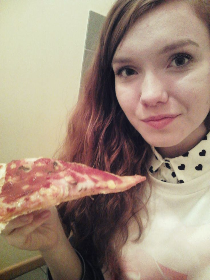 Miłym zaskoczeniem uczestnictwa w kampanii był fakt, że każdy z testujących otrzymał kod uprawniający do zamówienia dużej pizzy.  #aplikacjamBanku http://trzezwy-umysl.blogspot.com/2014/04/streetcom-i-mbank.html
