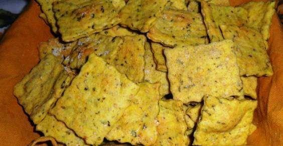 Snack vegan: cracker alla curcuma