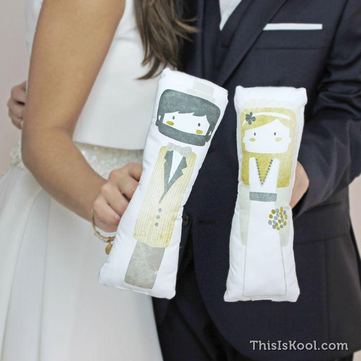 NOVIOS ACHUCHABLES - Originales figuras de novios para regalar a los próximos que queráis que den el gran paso. Un detalle que marcará la diferencia en la boda | This Is Kool © |