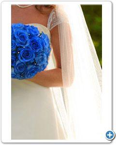 bruidsboeket-blauw-geverfde-rozen